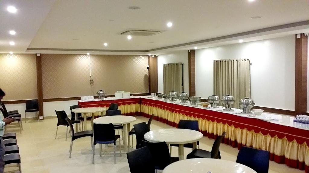 Apple Park Hotel Coimbatore Restaurant
